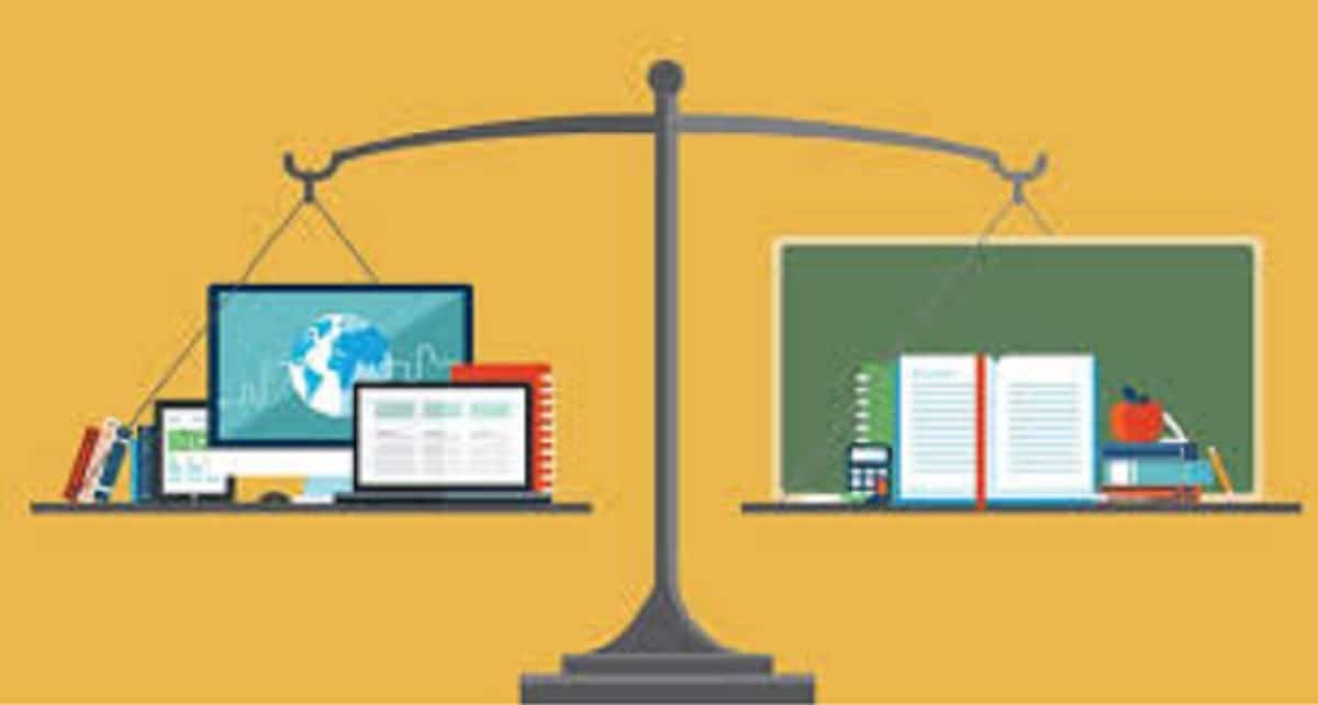 Which One To Choose? Traditional Vs. Online College